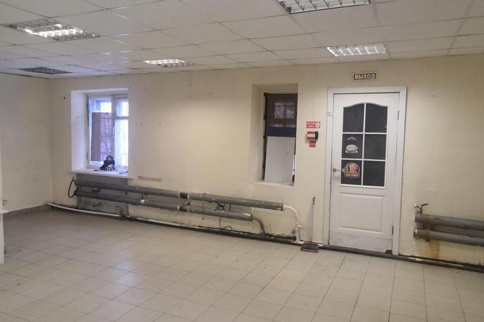 Торговое помещение в жилом доме, продажа, в районе ТОО Ембаевское, с. Ембаево