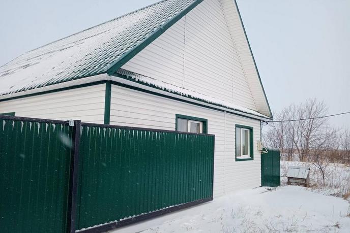 Дом с баней, Тобольского тракта, д. Тураева, по Тобольскому тракту
