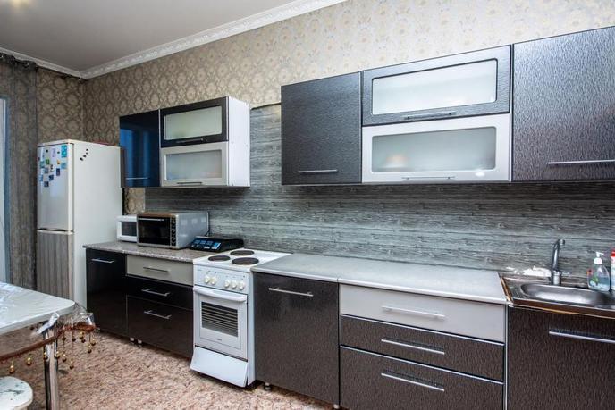 2 комнатная квартира  в районе Взлетный, ул. Ивана Захарова, 10, г. Сургут