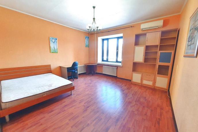 2 комнатная квартира  в районе ул.Малыгина, ул. Холодильная, 142, г. Тюмень