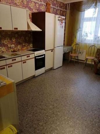 1 комн. квартира в аренду в Тюменском-3 мкрн., ул. Николая Зелинского, г. Тюмень
