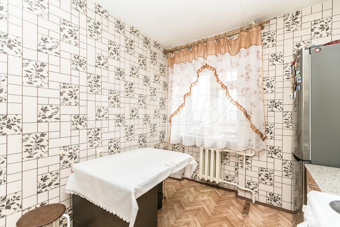 2 комнатная квартира  в районе Ватутина, ул. Ватутина, 79/1, г. Тюмень