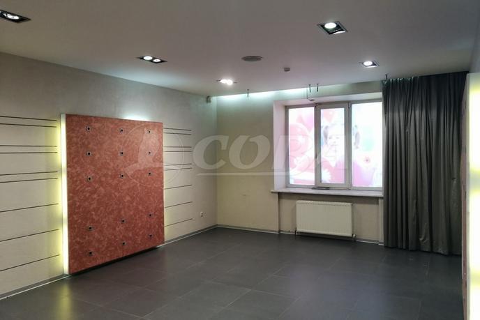 Нежилое помещение в жилом доме, аренда, в деловом центре, г. Тюмень