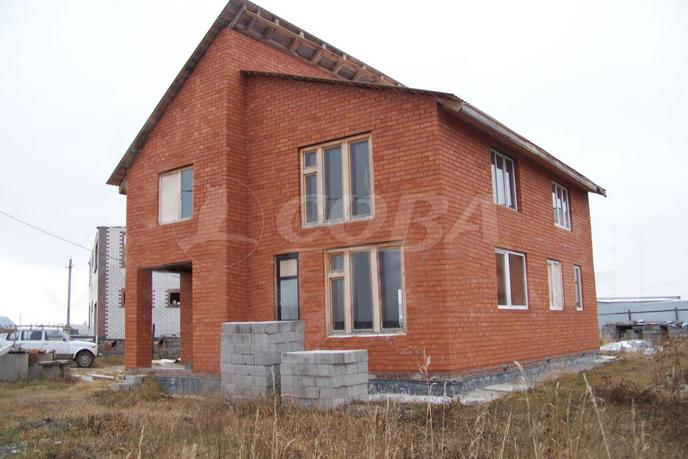 дом у озера, в районе КП Усадьба Есаулова, д. Есаулова, в районе Старый тобольский