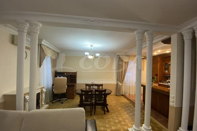 3 комнатная квартира  в районе Дома печати, ул. Коммунаров, 35, г. Тюмень