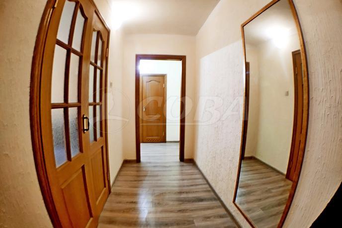 2 комнатная квартира  в деловом центре, ул. Ялуторовская, 12, г. Тюмень