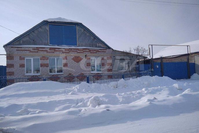 Загородный дом с баней, в районе Центральная часть, с. Чикча, в районе Старый тобольский