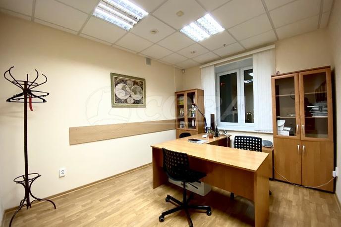 Офисное помещение в бизнес-центре, продажа, в районе Технопарка, г. Тюмень