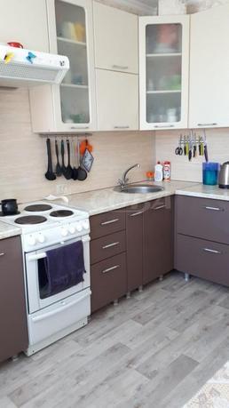 2 комнатная квартира  в 5 микрорайоне, ул. Пермякова, 56, г. Тюмень