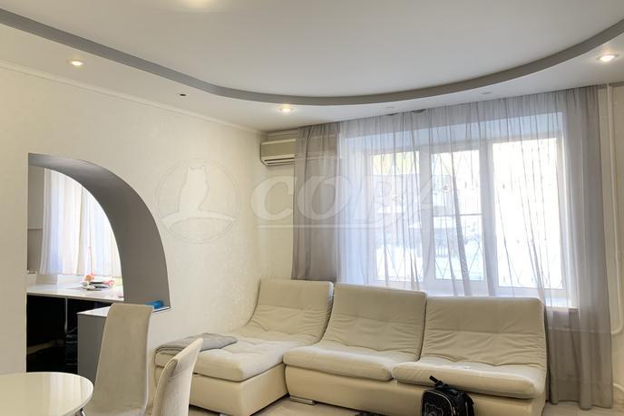 4 комнатная квартира  в историческом центре, ул. Орджоникидзе, 18, г. Тюмень