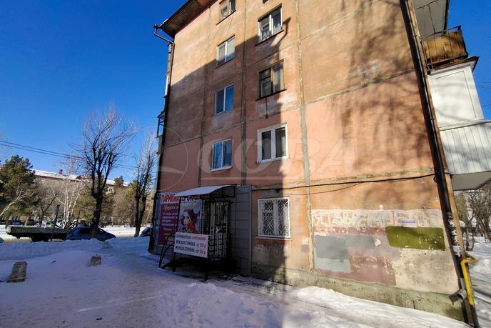 Салоны услуг в жилом доме, продажа, в районе Выставочного зала, г. Тюмень