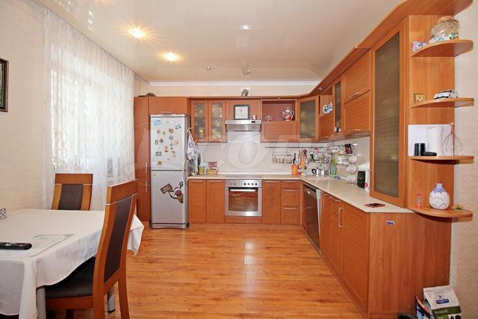 3 комнатная квартира  в районе центральная часть, ул. Островского, 25, п. Боровский