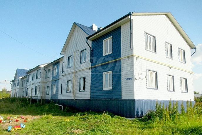 2 комнатная квартира  в центре, ул. Сибирская, 20, п. Винзили