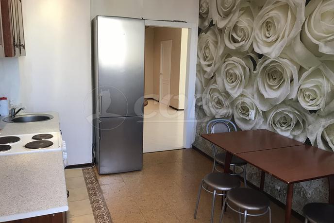 3 комнатная квартира  в Тюменском-2 мкрн., ул. Василия Гольцова, 2, Микрорайон МДС, г. Тюмень