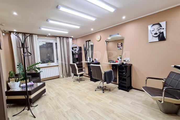 Салоны услуг в жилом доме, аренда, в Восточном 3 мкрн., г. Тюмень