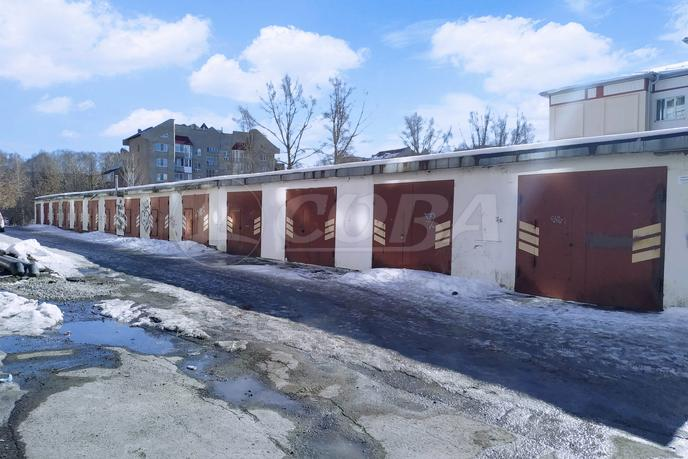 Гараж капитальный в 6 микрорайоне, г. Тюмень, Гаражи у дома по ул. Николая Федорова, д. 12