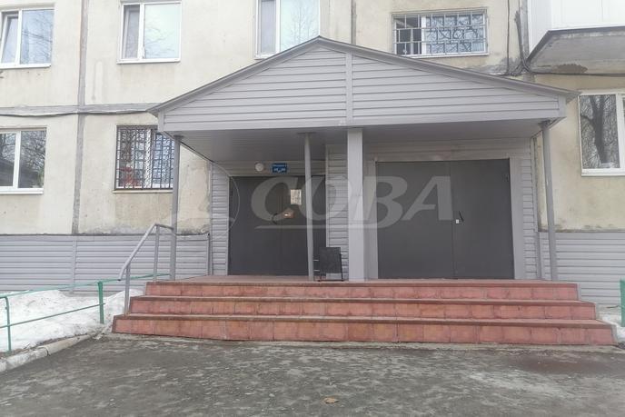1 комнатная квартира  в 2 микрорайоне, ул. 30 лет победы, 22, г. Тюмень
