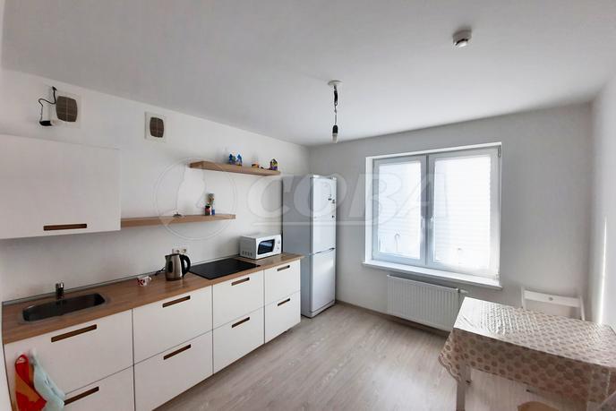 2 комнатная квартира  в Европейском мкрн., ул. Газовиков, 69, Микрорайон «Европейский», г. Тюмень