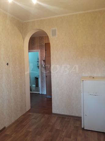 1 комнатная квартира  в центре, ул. Гагарина, 26, п. Винзили