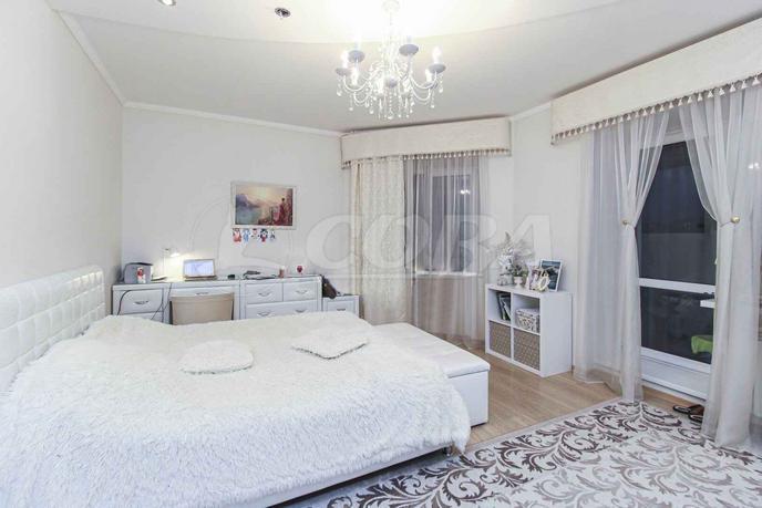 2 комнатная квартира  в 1 микрорайоне, ул. Широтная, 125, г. Тюмень