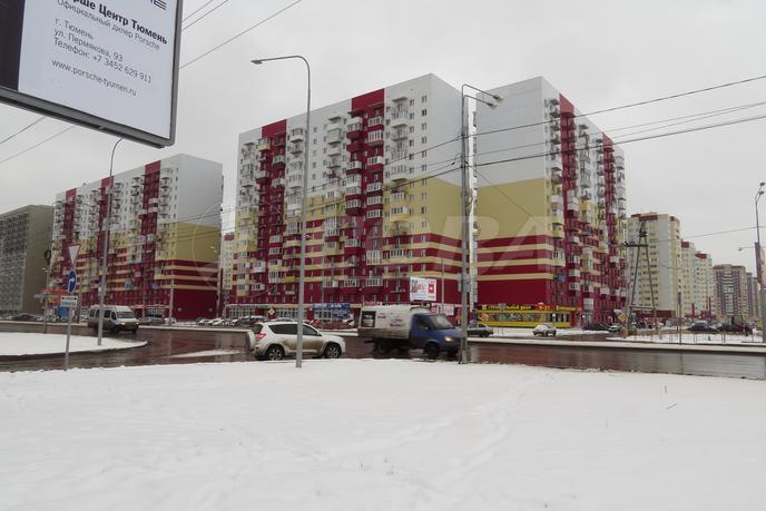3 комнатная квартира  в Тюменском-2 мкрн., ул. Пермякова, 83/1, Микрорайон МДС, г. Тюмень