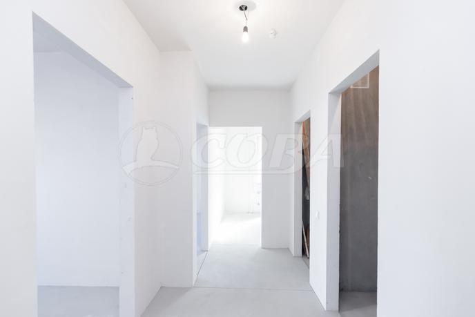 2 комнатная квартира  в Тюменском-3 мкрн., ул. Дмитрия Менделеева, 2, Жилой комплекс «Кристалл», г. Тюмень