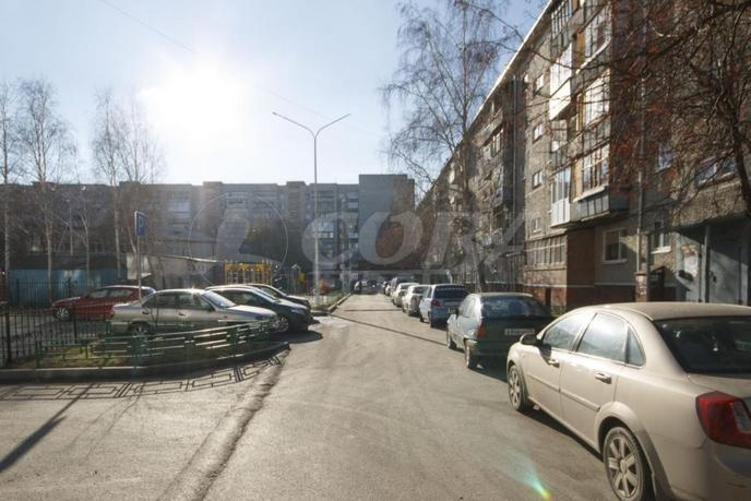 2 комнатная квартира  в 1 микрорайоне, ул. Широтная, 97, г. Тюмень