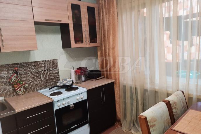 2 комнатная квартира  в 1 микрорайоне, ул. 30 лет победы, 115, г. Тюмень