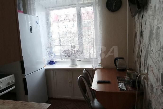 2 комнатная квартира  в центре, ул. Ленина, 50, г. Ялуторовск