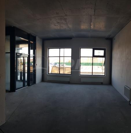 Нежилое помещение в жилом доме, аренда, в Заречном 5 мкрн., г. Тюмень