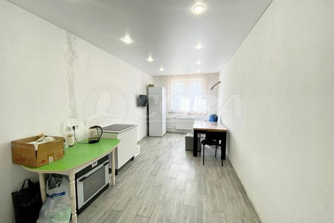 3 комнатная квартира  в Тюменском-2 мкрн., ул. Пермякова, 79, г. Тюмень