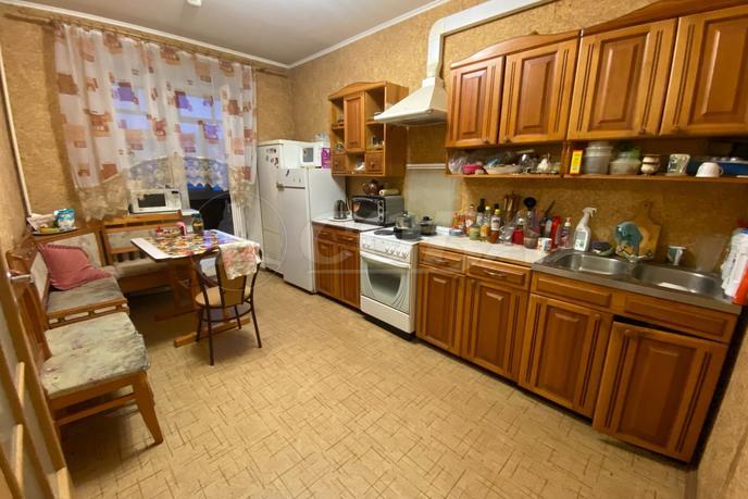 2 комнатная квартира  в Тюменском-3 мкрн., ул. Пермякова, 70, г. Тюмень