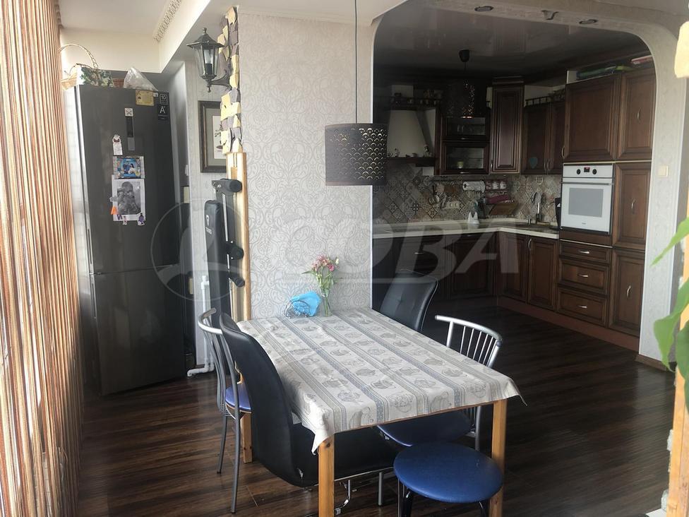 4 комнатная квартира  в районе Червишевского тр., ул. Молодежная, 28, г. Тюмень