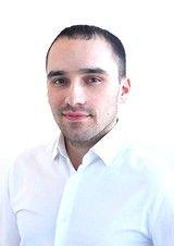 Специалист по продаже квартиры Петров Виталий
